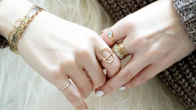 perhiasan emas1